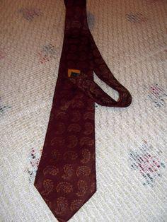 Etro  Milano vintage silk tie La nuova traditione by CHEZELVIRE, $18.00 Vintage Scarf, Neckties, Silk Ties, Milan, Scarves, Symbols, Etsy, Scarfs, Glyphs