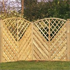 Let the sun shine in with Walton's Trellis Fence Panels. Let the sun shine Trellis Fence Panels, Arbors Trellis, Diy Trellis, Garden Trellis, Garden Fencing, Wood Privacy Fence, Diy Fence, Cucumber Trellis, Front Courtyard