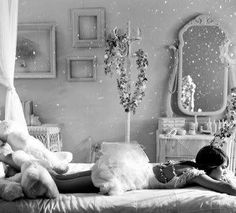 Molti danno agli altri ciò di cui avrebbero maggiormente bisogno per se stessi.    Oscar Wilde