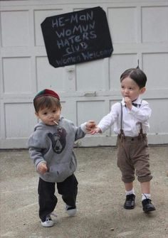 Halloween Costumes For Brothers, Kids Costumes Boys, Family Halloween Costumes, Halloween Costume For Baby Boy, Family Costumes For 4, Stroller Halloween Costumes, Halloween Couples, Theme Halloween, Halloween Kids
