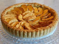 Torta mandorle e mele senza zucchero (con stevia), senza farina e senza lieviti. | Pochissimi ingredienti + Ricetta di frolla di sola farina di mandorle e acqua (fior d'arancio o naturale). (Veganblog.it)