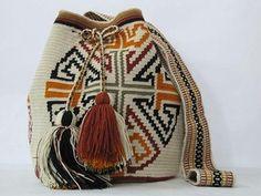 Chi Flow Mochila Tribal Bag Wayuu Trubal bag Sac a by PavanaFit Tapestry Bag, Tapestry Crochet, Crochet Purses, Crochet Hats, Mochila Crochet, Tribal Bags, Sweet Bags, Crotchet Patterns, Boho Bags