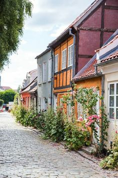 If you're visiting downtown Aarhus, you can't miss Møllestien! It's the prettiest cobblestone street in Aarhus with the most colorful historic houses Aarhus, Beautiful World, Beautiful Places, Places To Travel, Places To Visit, Europe Street, Romantic Places, Hawaii Travel, Historic Homes