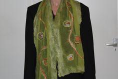 Nunogevilte sjaal met merinowol en zijdevezels