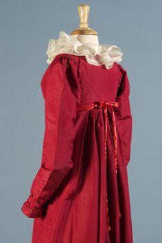Gown of silk/wool blend faille, American, 1810s, KSUM 1983.1.29.