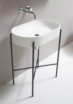 Bathroom Furnishings by Norm Architects for Ex.t Minimalist Bathroom Furnishings by Norm Architects for Ex.t - NordicDesignMinimalist Bathroom Furnishings by Norm Architects for Ex.t - NordicDesign Minimal Bathroom, White Bathroom, Modern Bathroom, Brass Bathroom, Bathroom Basin, Small Bathroom Furniture, Bathroom Interior, Furniture Vanity, Pipe Furniture