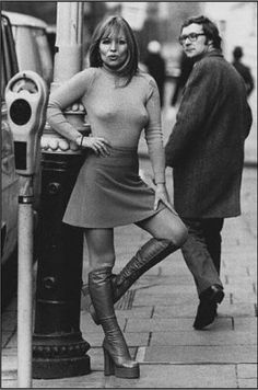 Mini skirt - London 1973