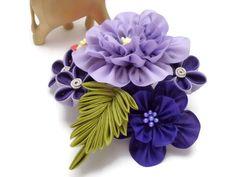 Peine del pelo multicolor Flor Kanzashi / Purple por HandcraftKu