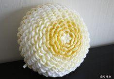 ピンポン菊のクッション (Crochet Cushion)