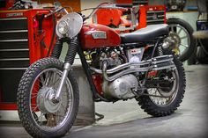 Custom vintage Triumph scrambler