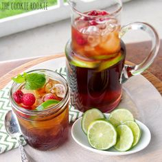 15 Boozy Iced Tea Cocktail Recipes to Quench Your Summer Thirst Refreshing Summer Cocktails, Spring Cocktails, Summer Drinks, Fun Drinks, Cold Drinks, Iced Tea Recipes, Cocktail Recipes, Café Exterior, Recipes