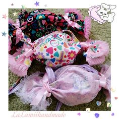 ちょっぴりレトロでガーリー、飴ちゃんポーチにもぴったりのキャンディ型ポーチ&ポシェットの作り方をご紹介します!女の子のお出かけバッグやおやつポーチ、ハロウィンのお菓子バッグにもとっても可愛いんです♡
