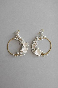Bamboo Hoop Earrings - 2 inch large gold hoops/ big gold hoops/ bamboo earrings/ thick gold hoops/ statement earrings/ gifts for her - Fine Jewelry Ideas Wedding Earrings, Diy Earrings, Flower Earrings, Statement Earrings, Earrings Handmade, Pearl Earrings, Cute Jewelry, Wedding Jewelry, Beaded Jewelry