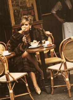 crushculdesac: Vogue Italy, 1991 | Model : Daniela Pestova