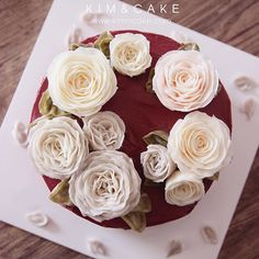 KIM&CAKE signature rose and David Austin Rose made by students If you have no chance or time to take my class, you can learn it from my book. #bakingclass#buttercream#cake#baking#수제케이크#weddingcake#버터크림케이크#꽃#flowers#buttercake#플라워케이크#wedding#버터크림플라워케이크#specialcake#birthdaycake#flower#장미#rose#디저트#케이크#cupcake#dessert#food#beautiful#부케#bouquet#instacake#꽃스타그램#flowercake#peony@yoon2222222