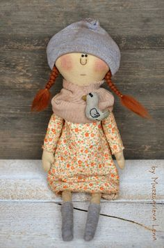 """""""Девочка в шапке"""" Интерьерная кукла. Handmade."""