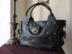 Mulberry Jody Tote in Black Weathered Leather > http://www.npnbags.co.uk/naughtipidginsnestshop/prod_4018118-Mulberry-Jody-Tote-in-Black-Weathered-Leather.html