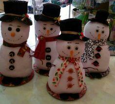 Boneco de neve feito com meia....
