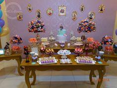 http://www.elo7.com.br/decoracao-tema-ever-after-high/dp/47B144