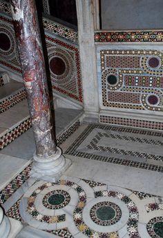Circles and braids in the Palatine Chapel ornament - Byzantine art - LiveJournal Byzantine Art, Byzantine Icons, Byzantine Mosaics, Palatine Chapel, Church Architecture, Architecture Design, Mosaic Artwork, Church Interior, Ancient Art