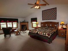 Snipe Lake Home's Master Suite   6207 Cloverleaf Ln, Eagle River, WI 54521