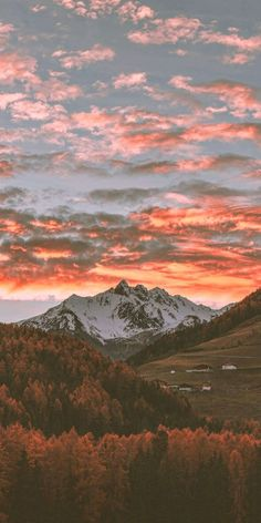 45 Free Beautiful Mountain Wallpapers For iPhone You Need To Download Today (HD Quality)