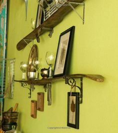 *For the cottage: antique ski's as shelves