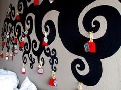 Strangeness and Charms: CHRISTMAS: DIY - how to create your own advent calendar.