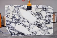 Marble Italia Ltd is a London based supplier of bespoke natural stone for commercial and residential projects. We are specialized in Carrara marble and Botticino marble: tiles for flooring or wall coverings, kitchen top, staircase, vanity top and more. Arabescato Marble, Carrara Marble, Natural Stone Wall, Natural Stones, Marble Stones, Stone Tiles, Marble Ball, Marble Suppliers, Marble Painting