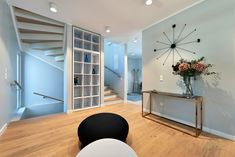 Home Decorating Online Tools - Esszimmer Best Interior Design Websites, Interior Design Companies, Interior Design Studio, Living Room Decor, Living Spaces, Dining Room Blue, Himmelblau, Dark Interiors, Blue Bedroom