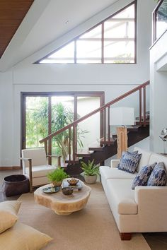 This Modern Bahay Kubo in Tagaytay Is A Lesson In Tropical Design Modern Tropical House, Tropical House Design, Tropical Houses, Bahay Kubo Design, House Front Porch, Tagaytay, D House, Modern Design, Home Improvement