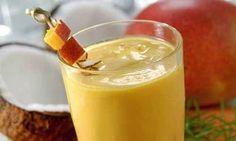 Suco de Manga: Refrescante e Saudável!  Ingredientes: 100 ml de leite desnatado 1 fatia de manga-rosa 50 ml de suco de laranja Modo de Preparo: Bata tudo no liquidificador e acrescente gelo. Se preferir, use açúcar ou adoçante. Sirva em seguida.