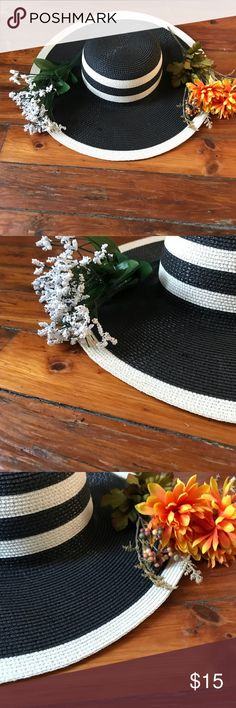 1bb300ac Black and white striped Sunhat for summer - hat Summer Sunhat! Fun for the  beach or a day out in the sun! Flexible with most outfits! Accessories Hats