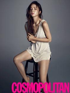 Shin Se-kyung (신세경) - Picture Gallery @ HanCinema :: The Korean Movie and Drama Database Shin Se Kyung, Sexy Asian Girls, Beautiful Asian Girls, Korean Beauty, Asian Beauty, Asian Fashion, Girl Fashion, Fashion Cover, Foto Instagram