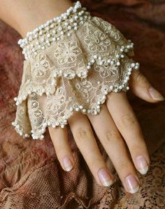 Lace Cuffs to Wear Under Sweaters & Jackets [extended a little further up the wrist] Coton Vintage, Vintage Cotton, Cotton Lace, Vintage Lace, Vintage Metal, Wedding Dress Accessories, Fashion Accessories, Vintage Accessories, Shabby Chic