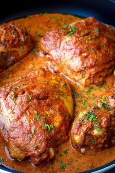 A juicy, moist and flavorful chicken with a delicious tandoori sauce.