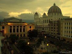 Centro Historico de San Salvador muchas partes de esto fueron en su mayor parte destruidas por desastres naturales.