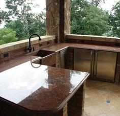 Bella Luce: Outdoor Kitchen - ice maker, freezer, wine cooler, refrigerator, granite countertops...PARTY