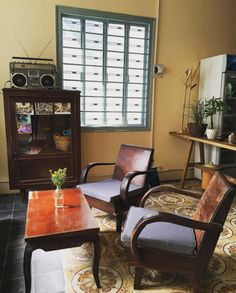 Super Home Decored Vintage Retro Furniture 27 Ideas Vintage Room, Vintage Decor, Rustic Decor, Cafe Design, House Design, Interior Design, Vintage Coffee Shops, Indochine, Asian Decor