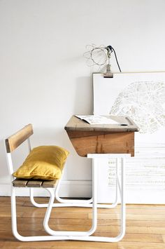 Via Ohjosephine Kids have a lot of homework to do so we must consider some ideas for their study areas. Today, we go beyond trends to look for timeless elements like these traditional desks. Classic and timeless style is that which can be adapted to every style at any moment. It's always trendy and it doesn't […]