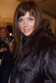 En 1987, lancienne star de Beverly Hills 90210 Tiffani Amber Thiessen a gagné le Miss Junior America
