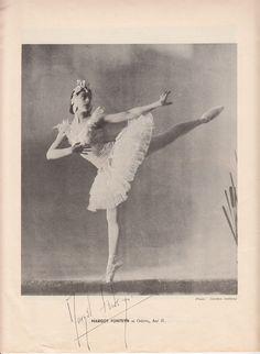 MARGOT FONTEYN, Ballerina, signed programme page