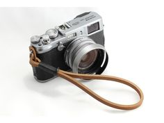 Gordy's camera strap natural with black thread