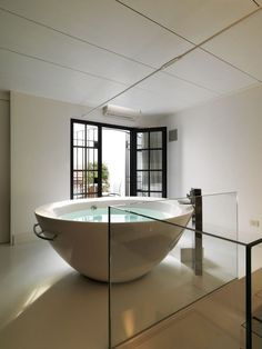 am i the only one who wants room for just a huge bathtub in the middle of my bedroom?
