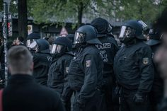 Polizisten am 1. Mai in Berlin-Kreuzberg  #police #polizei #warrior #berlin #kreuzberg #photography #photographer #canon #eos #eos600d #canon_official #warrior #peace #love #instagood #instagram #fight #picoftheday #art #artwork #photooftheday #festival #music #youtube by pitfighterr_youtube