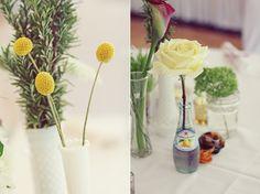 vintage wedding details flowers