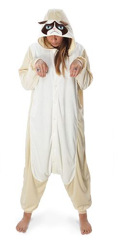 These Grumpy Cat Kigurumi Cosplay Pajamas Let You Cozy Up With A Frown Cute Onesies, Cute Pjs, Cute Pajamas, Adult Pajamas, Disney Pajamas, Pajamas Women, Onesie Pajamas, Pyjamas, Grumpy Cat Costume