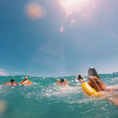 Surfing holidays is a surfing vlog with instructional surf videos, fails and big waves Summer Pictures, Beach Pictures, Summer Feeling, Summer Vibes, Summer Things, Photos Bff, Diy Foto, Summer Goals, Summer Bucket Lists