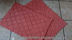 Tapete Simples retangular | :::Amor em cada Pontinho::: Crochet Kitchen, Crochet Home, Love Crochet, Knit Crochet, Crochet Potholders, Crochet Cushions, Crochet Doilies, Crochet Table Runner, Crochet Tablecloth