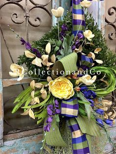 Spring Wreath, Summer Wreath, Door Decor All of our Wreaths & Door Swags are designed with the highest quality in Season ribbon and florals market has to offer. ▪️Base-Rectangle Faux Moss Wreath ▪️Ribbon-D. Stevens ▪️Florals-yellow cabbage roses Measurements- ▪️Length-36 ▪️Width-23
